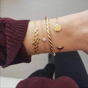 Jewelry - Four piece set